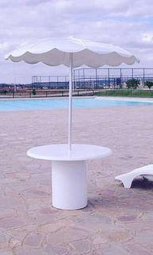 Móveis de piscina